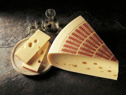 Emmentaler Schweizer käse